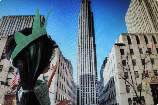 """Та-дам!!! У нас новое путешествие! Моей Мяте стало скучно и она решила отправиться в Нью-Йорк, один из крупнейших городов США, чтобы так сказать """"освежиться"""":D)) Ну, вообще это работа на конкурс... Но, ладно не буду вас больше мучать, дальше будет говорить Минт(т.е. Мята по-русски).  ___________________________________________________________________________________________________________  - Итак, Сегодня мы с Sea покажем вам Нью-йорк! Let`s Go! фото 3"""