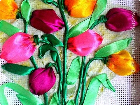 Здравствуйте дорогие гости Страны Мастеров! С недавних пор увлеклась вышивкой и вы наверно уже видели две мои работы. А к празднику 8 марта выросли и расцвели всеми любимые тюльпаны. А до тёплых дней ещё далеко, цветочками полюбуемся на картине.Такой букет дарю всем жительницам Страны Мастеров, Поздравляю с праздником и желаю радости, улыбок, удачи, мира и всего самого наилучшего!!!!!Приглашаю к просмотру!  фото 3