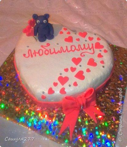 """Доброй ночи, Страна!!! Это моя третья попытка загрузить блок, все никак не получается. Ну наконец-то, пока загрузила только фото и быстренько сохранила. Теперь можно спокойно все подписать. Это мой первый """"голый торт"""". Цветочному магазину исполнилось 6 лет и хозяйка специально заказала торт без оформления. Как вы видите, оформила цветами. фото 8"""