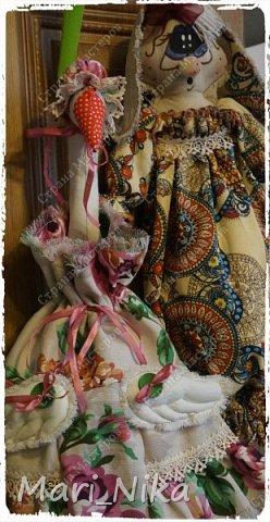 Зайце-Мания похоже безвозвратно вернула меня к швейной машинке, чем я конечно решила воспользоваться в преддверии женского праздника. В этом году решено не ломать голову с покупными (и что уж говорить не всегда удачными подарками), а потрудиться для своих любимых. В итоге народилось вот такое общество:  фото 2