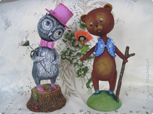 Добрый день, жители Страны Мастеров! С наступающим Вас женским праздником - 8 Марта! Но я не с пустыми руками к вам, а с медвежонком, который дарит вам цветочек. фото 10