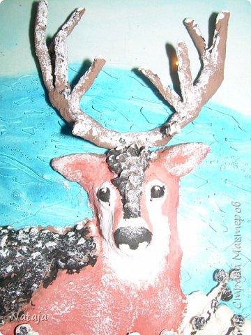 Очень впечатлила работа Светланы http://stranamasterov.ru/node/980972 . Поэтому взялись её делать с детьми. Мальчишки делали фон, работали с крупой и семенами, клеили, красили, оклеивали рога. Я лепила оленя. фото 7