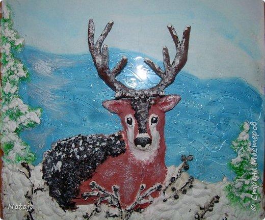 Очень впечатлила работа Светланы http://stranamasterov.ru/node/980972 . Поэтому взялись её делать с детьми. Мальчишки делали фон, работали с крупой и семенами, клеили, красили, оклеивали рога. Я лепила оленя. фото 6