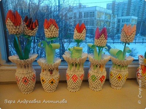 Дорогие мастера и мастерицы нашей Страны Мастеров! И пусть за окном еще видны снежные сугробы и порхают снежинки, у нас расцвели для мам тюльпаны. Вот такие подарки приготовили мои ребятки мамам в день 8 марта. фото 2