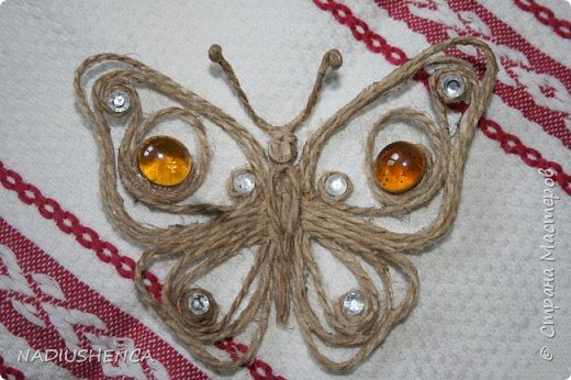 """Первая работа из джута.Бабочка по исполнению """"простенькая"""",видны недочеты,но мне она мила!Она же - первенькая... фото 1"""