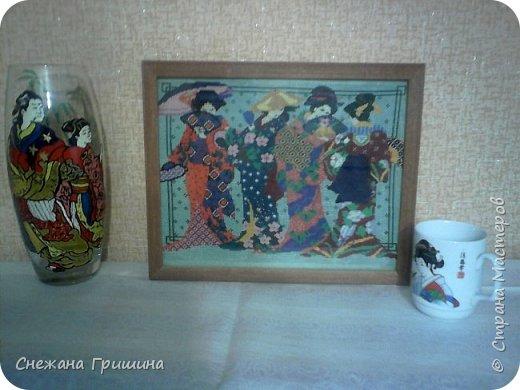 Здравствуйте дорогие соседи!! Сегодня решила сделать фотосет моим вышивкам! Как всегда не очень получилось! Рамочки со стеклом отсвечивают,поэтому ракурс сбоку в основном.  Это первая большая картина,которую я вышила ''Храм Христа Спасителя''  конец ХХ века фото 7