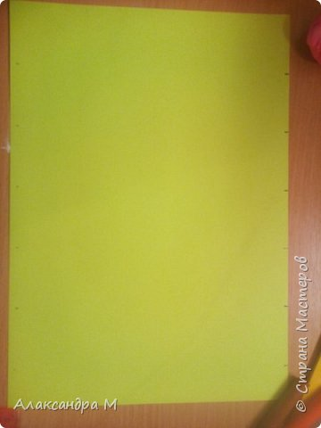 Для поделки нам понадобится картон или цветная бумага, чёрная геливая ручка, ножницы, клей Момент , длинная ленейка. фото 2