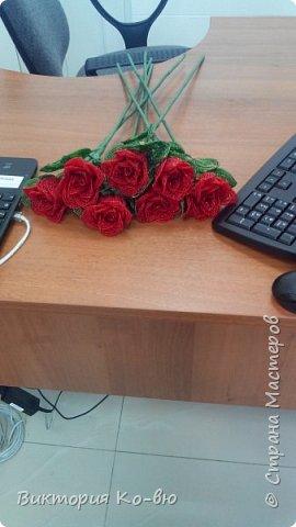 Все это было заказано на 8 марта в качестве подарков Розы плету все по-тому же принципу http://stranamasterov.ru/node/477210 фото 2