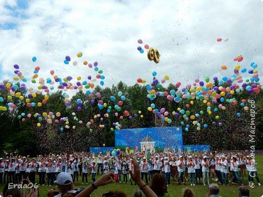 Детский лагерь, о котором пойдёт речь, действительно стал для сотен детей и взрослых самым лучшим местом на Земле, встречи с которым многие начинают ждать уже на следующий день по окончании предыдущей смены. фото 29