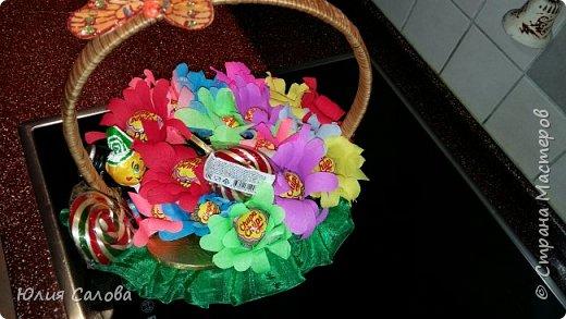 Цветочки из чупа чупсов фото 4