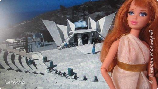 Всем привет! Сегодня мы с Николь расскажем о солнечном городе Лимассол. Этот город расположен в греческо-турецком острове Кипр. Именно на этом острове родилась из пены Афродита. Дальше рассказывать будет Николь. фото 4
