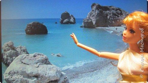 Всем привет! Сегодня мы с Николь расскажем о солнечном городе Лимассол. Этот город расположен в греческо-турецком острове Кипр. Именно на этом острове родилась из пены Афродита. Дальше рассказывать будет Николь. фото 7