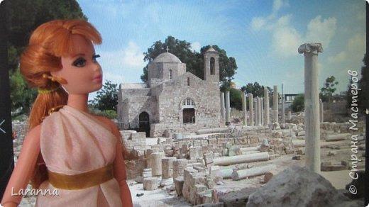Всем привет! Сегодня мы с Николь расскажем о солнечном городе Лимассол. Этот город расположен в греческо-турецком острове Кипр. Именно на этом острове родилась из пены Афродита. Дальше рассказывать будет Николь. фото 3