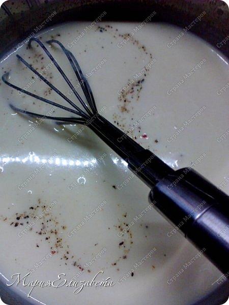"""Доброго времени суток, Страна! Я спешу к вам с  рецептом голубцов ленивых, которые,как известно для той хозяйки....для ленивой... Вдохновителем явилась Зоя со своей капустой. http://stranamasterov.ru/node/1007240 Да,да,да, именно Зоина капуста сподвигла меня на приготовление голубцов. Все продукты для её рецепта имеются, а вот чернослива нет! Мильён раз была в магазине, видела его,хорошего....а купить забывала.... Ну так вот, чернослива нет, вкуснейшее блюдо по-старопольски отменяется, а капустного чего-то хочется..... Голубцы """"настоящие"""", завёрнутые в капустный листочек, это очень вкусно!!! но трудоёмко! Поэтому палочкой -выручалочкой являются эти, вкуууусныееее ,сочныееееее, неееежныыые, и именно под таким белым соусом. фото 15"""