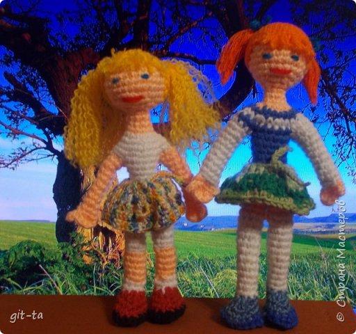 Жили-были две подружки: Танечка и Манечка. Кто из них Танечка, а кто Манечка, я не помню, но...   фото 5
