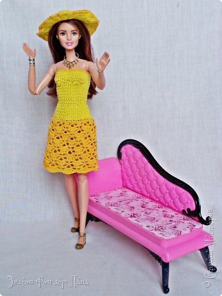 """""""Готовь сани летом"""" - это про нашу Эмму. Она любит всё планировать заранее. Вот и к отпуску она решила приготовиться уже сейчас. А мы ей в этом немного помогли.)))  Эмма собирается посетить небольшой курорт у моря. Для прогулок по городу у нее теперь есть яркое желтое платье-бандо и шляпка. фото 1"""