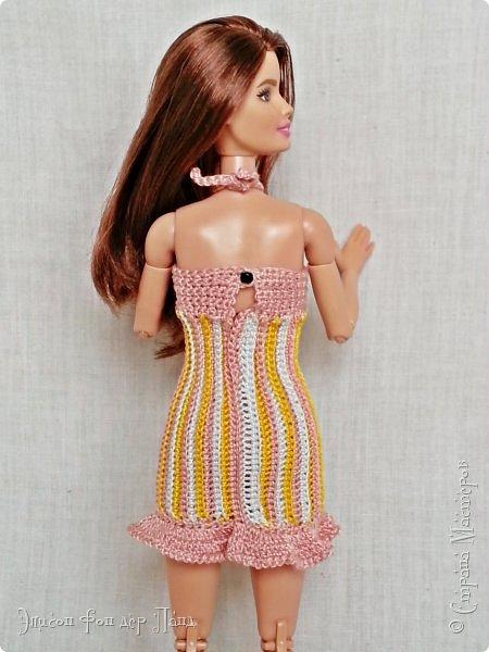 """""""Готовь сани летом"""" - это про нашу Эмму. Она любит всё планировать заранее. Вот и к отпуску она решила приготовиться уже сейчас. А мы ей в этом немного помогли.)))  Эмма собирается посетить небольшой курорт у моря. Для прогулок по городу у нее теперь есть яркое желтое платье-бандо и шляпка. фото 11"""