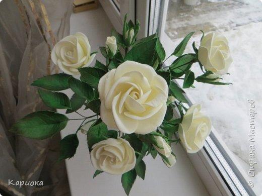 Доброго времени суток СМ! Вот такая роза  получилось на подарок к 8 марта!) У розы 5 цветков, 7 бутонов и 61 листочек. фото 2
