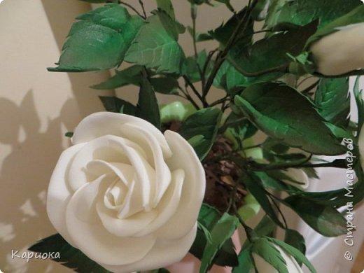 Доброго времени суток СМ! Вот такая роза  получилось на подарок к 8 марта!) У розы 5 цветков, 7 бутонов и 61 листочек. фото 6