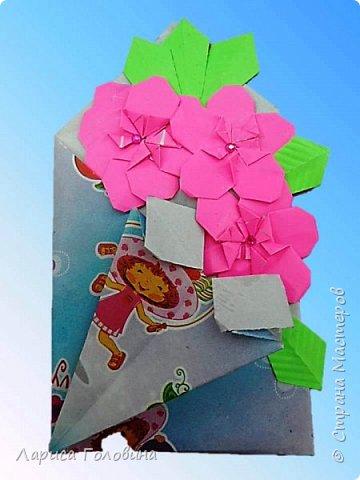 """Букетики мастерили с третьеклассниками. Упаковку мастерили по книге С. Соколовой, а цветы по книге Пудовой и Лежнёвой """"Легенды о цветах""""  фото 4"""
