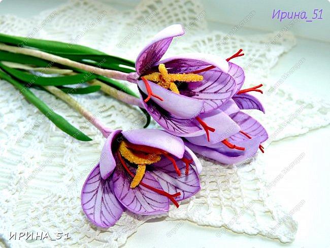 Здравствуйте! Как всегда я с цветами. ))))))   На душу уже весна, и в преддверии международного женского дня спешу поздравить всех милых дам с праздником!  Желаю Вам здоровья, счастья, удачи, творческого вдохновения, душевного тепла и доброты! Пусть у Вас всегда будет хорошее настроение! Мира и добра в вашим семьям!  А теперь приглашаю Вас к просмотру.  Первым покрасуется венок с ранункулюсами из корейского фоамирана. фото 11