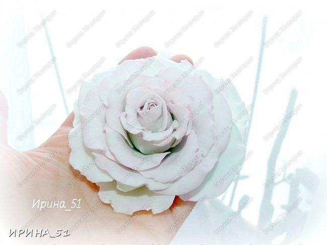 Здравствуйте! Как всегда я с цветами. ))))))   На душу уже весна, и в преддверии международного женского дня спешу поздравить всех милых дам с праздником!  Желаю Вам здоровья, счастья, удачи, творческого вдохновения, душевного тепла и доброты! Пусть у Вас всегда будет хорошее настроение! Мира и добра в вашим семьям!  А теперь приглашаю Вас к просмотру.  Первым покрасуется венок с ранункулюсами из корейского фоамирана. фото 19