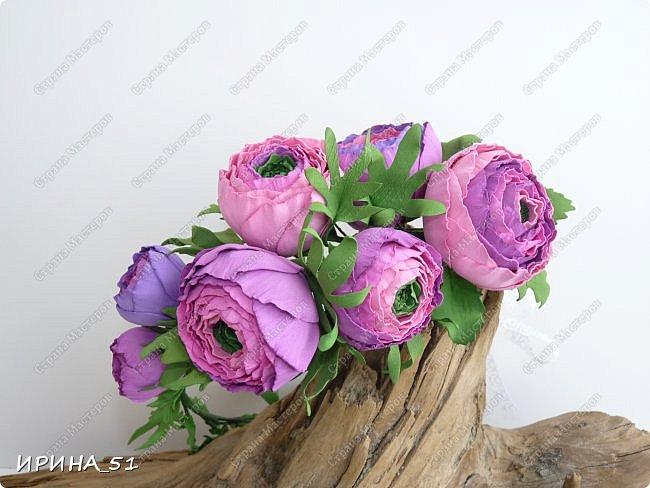 Здравствуйте! Как всегда я с цветами. ))))))   На душу уже весна, и в преддверии международного женского дня спешу поздравить всех милых дам с праздником!  Желаю Вам здоровья, счастья, удачи, творческого вдохновения, душевного тепла и доброты! Пусть у Вас всегда будет хорошее настроение! Мира и добра в вашим семьям!  А теперь приглашаю Вас к просмотру.  Первым покрасуется венок с ранункулюсами из корейского фоамирана. фото 1