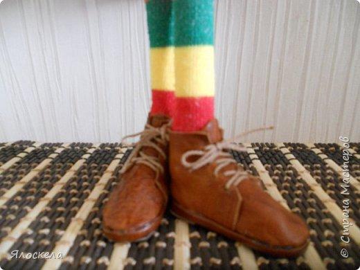 Размерный ряд представлен двумя парами кожаных ботинок фото 3
