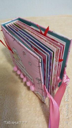 Этот небольшой альбомчик сделала для своей внучатой племянницы, размер всего 15*15, для фото 9*13)  фото 4