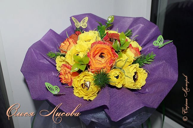 Всех рада видеть в этот весенний день!  Дорогие девочки!  Всех ВАС, от чистого сердца хочу поздравить с одним, из самых прекрасных праздников - 8 МАРТА!  Пусть цветы всегда цветут в Вашей душе, птицы поют и щебечут слова о любви, настроение будет долгим и праздничным, любимые будут рядом и всегда будет крепкое здоровье!!!!  фото 3