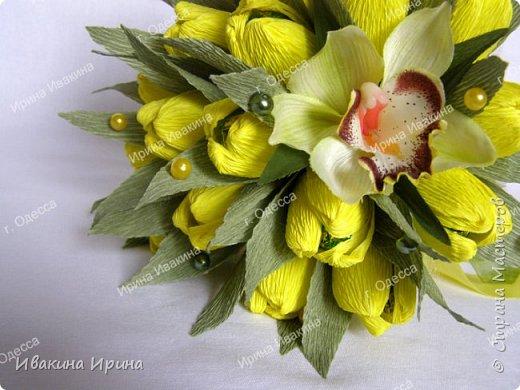 Привет, рукодельницы! С 8 марта Вас!  Пусть сегодня ваша душа до краев наполнится светом, теплом и радостью от искренних пожеланий, нежных цветов, приятных подарков! Пусть ласточки вьют гнезда над вашими окнами и несут в дом благополучие и взаимопонимание, а первые лучи весеннего солнышка укажут на счастливую тропинку вашей судьбе! Искренних вам комплиментов и добрых слов всегда! Покажу Вам свой самый востребованный весенний букетик с тюльпанами и орхидеей...  И ещё... похвастаюсь Вам... Недавно меня пригласили участвовать в телепрограмме на нашем городском телеканале... Никак не могла решиться... И... всё же решилась! Именно по этому букетику с тюльпанами и проводила мастер-класс в передаче) Волновалась очень! Но... Результатом осталась довольна... Кому интересно узнать секретики изготовления букета, прошу в группу https://vk.com/mk.ivakina. Видео сюда не знаю как загрузить(( А вот собственно и он... Был жёлтый... наверное, он мне больше всего понравился... фото 3