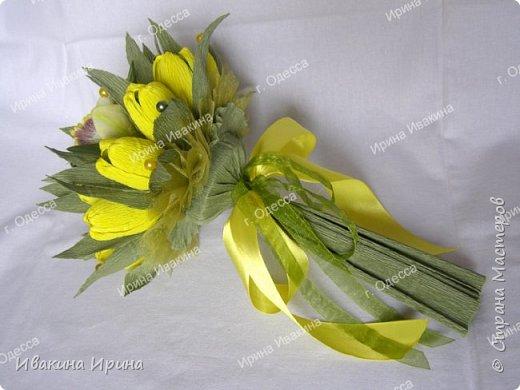 Привет, рукодельницы! С 8 марта Вас!  Пусть сегодня ваша душа до краев наполнится светом, теплом и радостью от искренних пожеланий, нежных цветов, приятных подарков! Пусть ласточки вьют гнезда над вашими окнами и несут в дом благополучие и взаимопонимание, а первые лучи весеннего солнышка укажут на счастливую тропинку вашей судьбе! Искренних вам комплиментов и добрых слов всегда! Покажу Вам свой самый востребованный весенний букетик с тюльпанами и орхидеей...  И ещё... похвастаюсь Вам... Недавно меня пригласили участвовать в телепрограмме на нашем городском телеканале... Никак не могла решиться... И... всё же решилась! Именно по этому букетику с тюльпанами и проводила мастер-класс в передаче) Волновалась очень! Но... Результатом осталась довольна... Кому интересно узнать секретики изготовления букета, прошу в группу https://vk.com/mk.ivakina. Видео сюда не знаю как загрузить(( А вот собственно и он... Был жёлтый... наверное, он мне больше всего понравился... фото 4