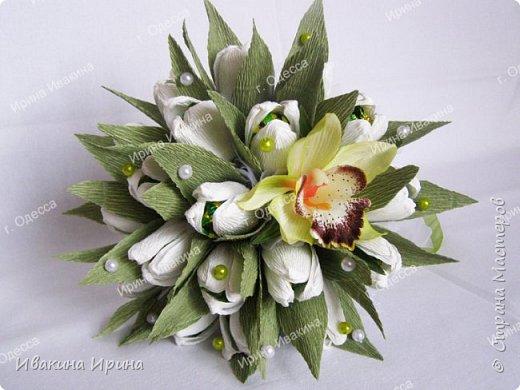 Привет, рукодельницы! С 8 марта Вас!  Пусть сегодня ваша душа до краев наполнится светом, теплом и радостью от искренних пожеланий, нежных цветов, приятных подарков! Пусть ласточки вьют гнезда над вашими окнами и несут в дом благополучие и взаимопонимание, а первые лучи весеннего солнышка укажут на счастливую тропинку вашей судьбе! Искренних вам комплиментов и добрых слов всегда! Покажу Вам свой самый востребованный весенний букетик с тюльпанами и орхидеей...  И ещё... похвастаюсь Вам... Недавно меня пригласили участвовать в телепрограмме на нашем городском телеканале... Никак не могла решиться... И... всё же решилась! Именно по этому букетику с тюльпанами и проводила мастер-класс в передаче) Волновалась очень! Но... Результатом осталась довольна... Кому интересно узнать секретики изготовления букета, прошу в группу https://vk.com/mk.ivakina. Видео сюда не знаю как загрузить(( А вот собственно и он... Был жёлтый... наверное, он мне больше всего понравился... фото 6