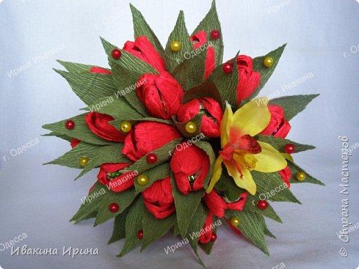 Привет, рукодельницы! С 8 марта Вас!  Пусть сегодня ваша душа до краев наполнится светом, теплом и радостью от искренних пожеланий, нежных цветов, приятных подарков! Пусть ласточки вьют гнезда над вашими окнами и несут в дом благополучие и взаимопонимание, а первые лучи весеннего солнышка укажут на счастливую тропинку вашей судьбе! Искренних вам комплиментов и добрых слов всегда! Покажу Вам свой самый востребованный весенний букетик с тюльпанами и орхидеей...  И ещё... похвастаюсь Вам... Недавно меня пригласили участвовать в телепрограмме на нашем городском телеканале... Никак не могла решиться... И... всё же решилась! Именно по этому букетику с тюльпанами и проводила мастер-класс в передаче) Волновалась очень! Но... Результатом осталась довольна... Кому интересно узнать секретики изготовления букета, прошу в группу https://vk.com/mk.ivakina. Видео сюда не знаю как загрузить(( А вот собственно и он... Был жёлтый... наверное, он мне больше всего понравился... фото 9