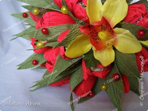 Привет, рукодельницы! С 8 марта Вас!  Пусть сегодня ваша душа до краев наполнится светом, теплом и радостью от искренних пожеланий, нежных цветов, приятных подарков! Пусть ласточки вьют гнезда над вашими окнами и несут в дом благополучие и взаимопонимание, а первые лучи весеннего солнышка укажут на счастливую тропинку вашей судьбе! Искренних вам комплиментов и добрых слов всегда! Покажу Вам свой самый востребованный весенний букетик с тюльпанами и орхидеей...  И ещё... похвастаюсь Вам... Недавно меня пригласили участвовать в телепрограмме на нашем городском телеканале... Никак не могла решиться... И... всё же решилась! Именно по этому букетику с тюльпанами и проводила мастер-класс в передаче) Волновалась очень! Но... Результатом осталась довольна... Кому интересно узнать секретики изготовления букета, прошу в группу https://vk.com/mk.ivakina. Видео сюда не знаю как загрузить(( А вот собственно и он... Был жёлтый... наверное, он мне больше всего понравился... фото 10