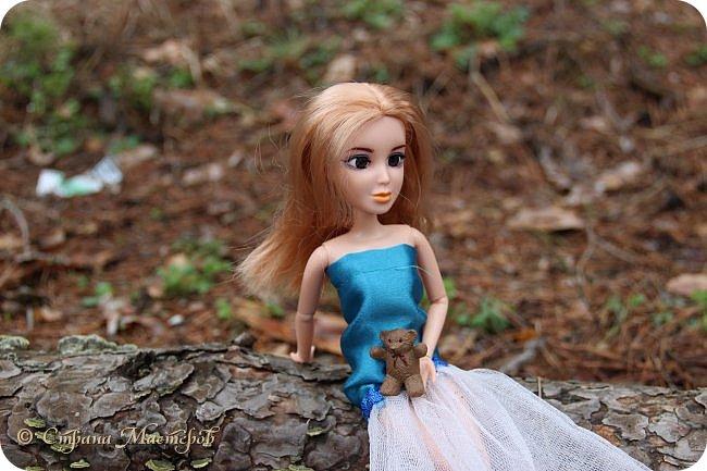 Привет всех с праздником 8 марта. Мы с Элизобет решили по гулять по лесу.И вот мы с ней решили сделать несколько фото. фото 1