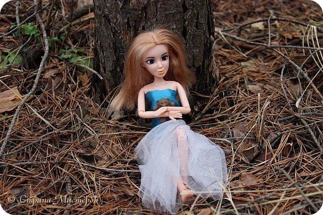 Привет всех с праздником 8 марта. Мы с Элизобет решили по гулять по лесу.И вот мы с ней решили сделать несколько фото. фото 5