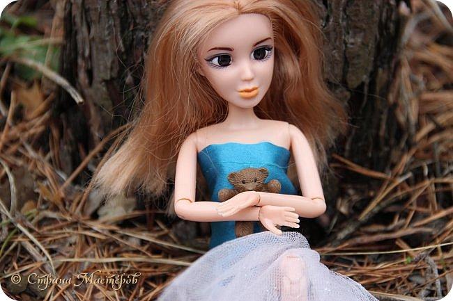 Привет всех с праздником 8 марта. Мы с Элизобет решили по гулять по лесу.И вот мы с ней решили сделать несколько фото. фото 6