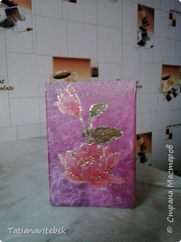 Купила рисовую бумагу, и к празднику придумались такие вазочки к весенним цветочкам. фото 5