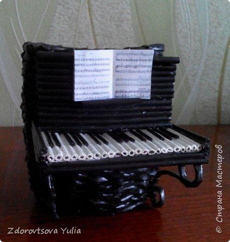 Пианино. Подставка для канцелярских принадлежностей. фото 3