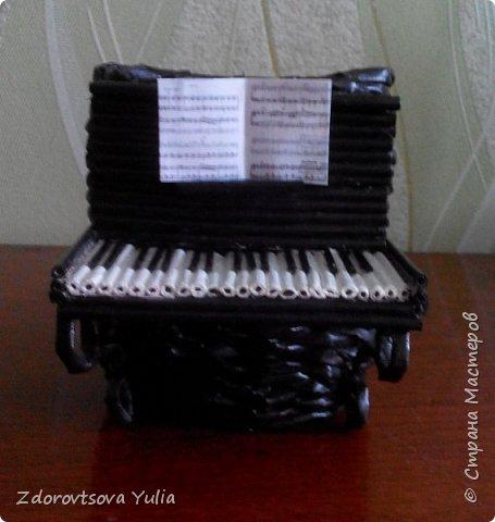 Пианино. Подставка для канцелярских принадлежностей. фото 1