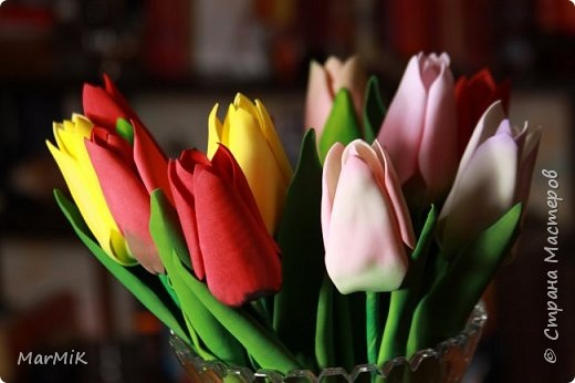 Милые, добрые, очаровательные, женственные и талантливые !!!! Этот букет тюльпанов я дарю всем Вам, жительницы Страны !!!! С праздником !!!  Тюльпаны выполнены из фоамирана. фото 3