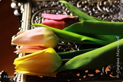 Милые, добрые, очаровательные, женственные и талантливые !!!! Этот букет тюльпанов я дарю всем Вам, жительницы Страны !!!! С праздником !!!  Тюльпаны выполнены из фоамирана. фото 10