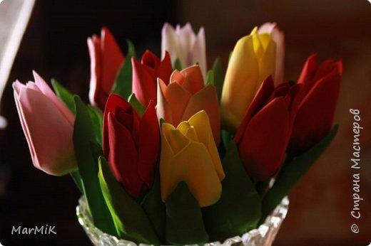 Милые, добрые, очаровательные, женственные и талантливые !!!! Этот букет тюльпанов я дарю всем Вам, жительницы Страны !!!! С праздником !!!  Тюльпаны выполнены из фоамирана. фото 11