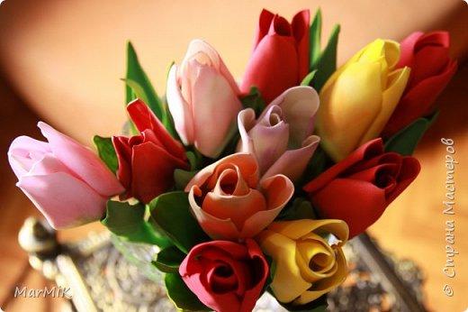 Милые, добрые, очаровательные, женственные и талантливые !!!! Этот букет тюльпанов я дарю всем Вам, жительницы Страны !!!! С праздником !!!  Тюльпаны выполнены из фоамирана. фото 12