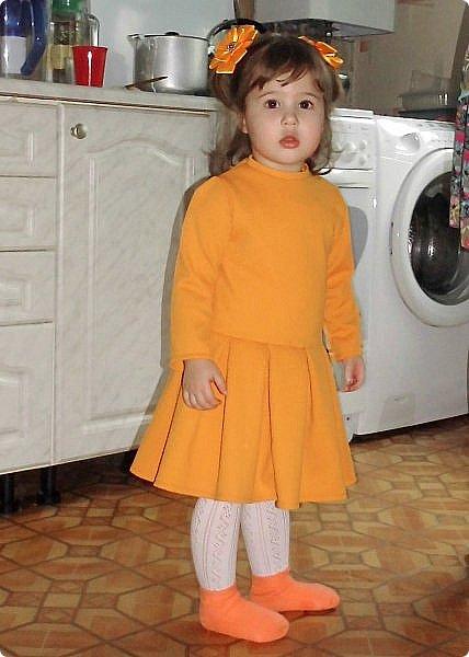 Такое платье сшилось для моей принцессы к 8 Марта. Ткань - трикотаж. Ушло 1 метр. Девочке 2 года. фото 2