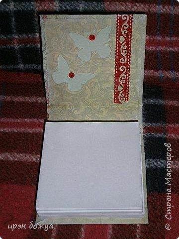 Это заказ мужа для сотрудниц на работе. Для него я сделала блоки для записей в индивидуальной упаковке.Ну и конечно коробка конфет каждой. фото 12