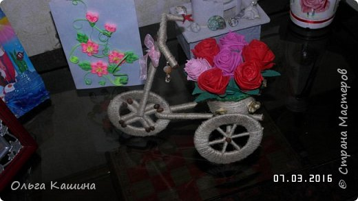 Первый мой шпагатный велосипед. Розочки из салфеток фото 2