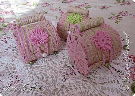 """Всем здравствуйте! Весеннего настроения! Вот такие весенние подарочки смастерили девочкам в школе на 8 марта! Цветные нитки, клей ПВА, бусины цветочки в технике """"тенерифе"""". А форма - консервная банка из-под сгущёнки:) фото 6"""