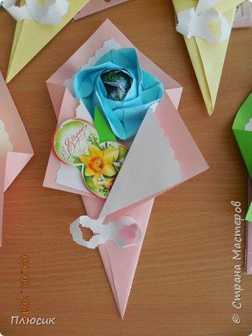 Вот такие букетики мы делали с сыном для поздравления его одноклассниц. фото 9